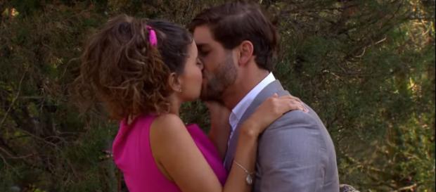 Carlos e Fernanda voltam a namorar