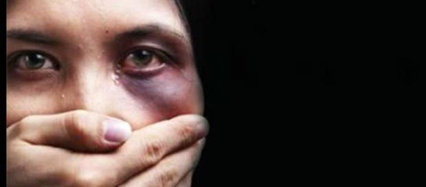Giù le mani, violenza di genere