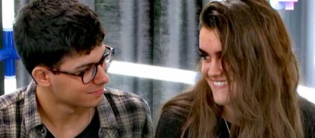 Al fin! Amaia y Alfred de 'OT 2017' consuman su atracción con un beso - lecturas.com