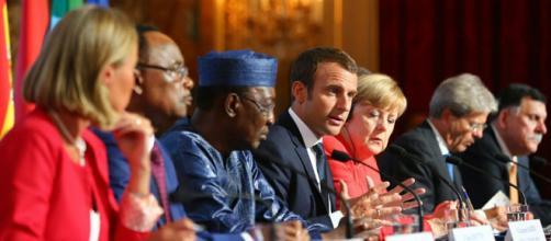 On attend de Macron un discours pragmatique et réaliste lors du sommet Euro-Afrique en Côte d'Ivoire.