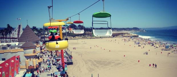 A view from above of the Santa Cruz boardwalk at the height of summer. Photo Credit: Naina Bhardwaj