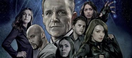Phil Coulson e gli altri agenti protagonisti di Agents of S.H.I.E.L.D.