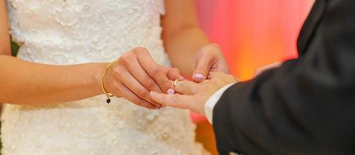 Don't schedule a wedding on a holiday that will inconvenient your guests [Image: sylviatansh/pixabay.com]