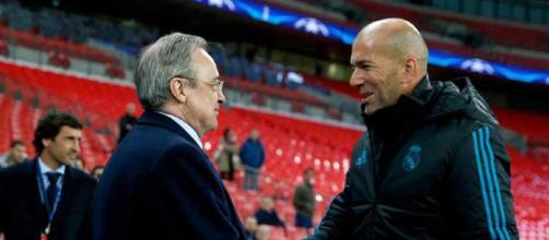 Zidane com o presidente do Real, Florentino Pérez