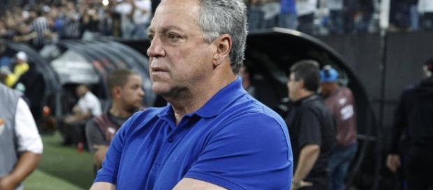 Insatisfeito, Abel cobra time mais cascudo para o Flu em 2018 (Foto: Globo.com)
