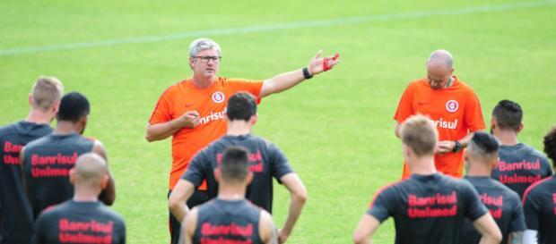Odair foi confirmado para 2018 logo após o jogo contra o Guarani