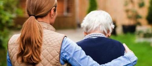 Assistenza parenti malati: le novità sui fondi dedicati al 'Caregiver familiare'