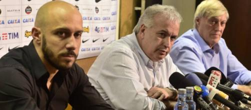 Diretoria do Corinthians segue em busca de reforços para 2018