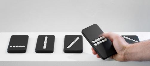 """""""Substitution Phones"""", l'oggetto di design per combattere la dipendenza da cellulare"""