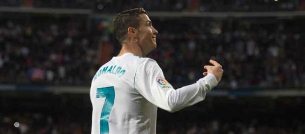 Cristiano Ronaldo continua vendo complicado o campeonato do Real