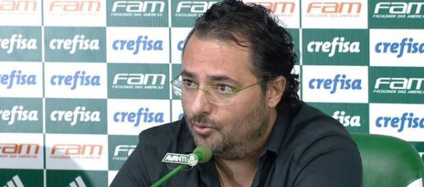 Dirigente de futebol da equipe