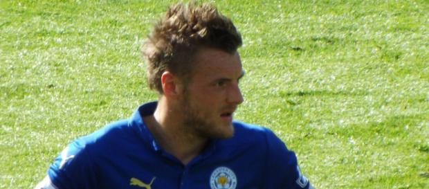 Leicester City striker Jamie Vardy looking fatigued in a past match. (Image Credit: Ian Johnson/Flickr)