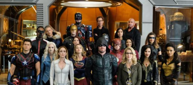 The Flash Season 4 Arrow Supergirl Crossover Official Trailer - Crisis on Earth X Breakdown [Image Credit: Emergency Awesome/YouTube screencap]