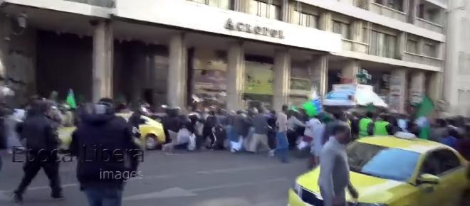 Grecja: Muzułmanie chcieli świętować na ulicy. Kibice wkroczyli do akcji [WIDEO]