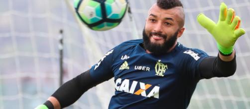 Após polêmica, Flamengo posta vídeo de treino intensivo de goleiro que virou piada