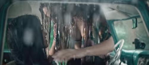 Belinda em novo clipe - Foto: Reprodução