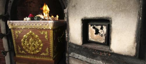 Como é feita a cremação de cadáveres?