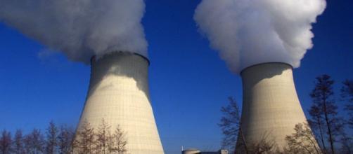 Greenpeace s'introduit dans une centrale nucléaire - parismatch.com