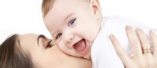 Una mamma con il figlio felice