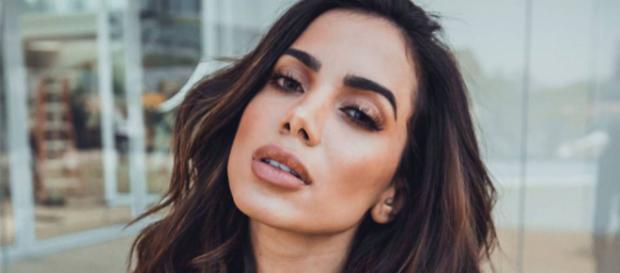 Anitta foi acusada de ser usuária de drogas pela mulher que atacou Titi
