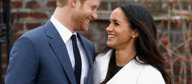 Harry e Meghan fidanzati e felici