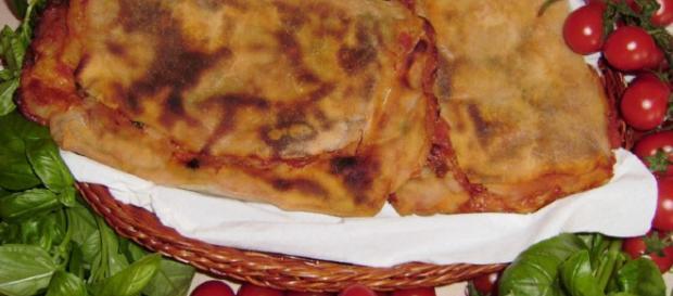 Scacce ragusane con pomodoro e formaggio - mappadeisapori.it
