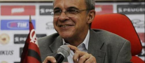 Bandeira de Melo pode anunciar meia como reforço do Flamengo