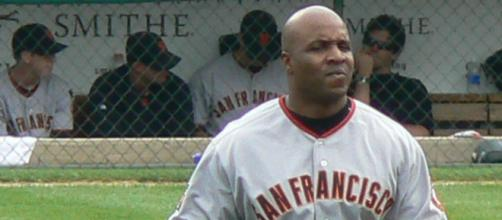 Barry Bonds is a cheater. [image source: guano/ Wikimedia Commons]
