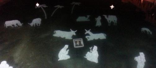 Il presepe subacqueo di Peschiera del Garda, illuminato in notturna