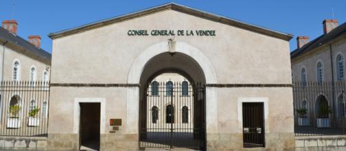Le Conseil Général a numérisé plus de 13 000 documents.