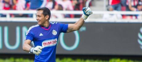 Liga MX: Rodolfo Cota se queda en Chivas un año más, anuncia ... - as.com