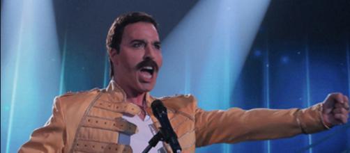 Federico Angelucci ha interpretato Freddie Mercury