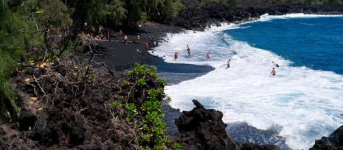 Kehena Beach in Big Island, Hawaii (Image credit – Frank Schulenburg, Wikimedia Commons)