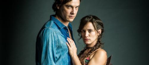 """''O Outro Lado do Paraíso"""": Guizé e Bianca Bin estão namorando na vida real"""