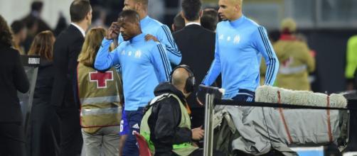 Patrice Evra a donné un coup de pied à un supporter à l'échauffement et a été exclu par l'arbitre. (leparisien.fr)
