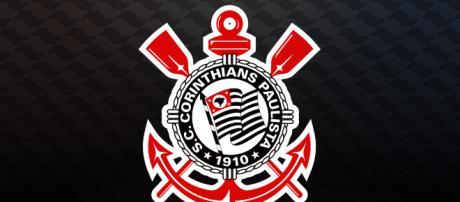 O Corinthians tenta a contratação do zagueiro Marllon, da Ponte Preta
