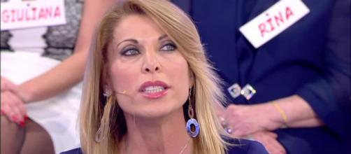 Gossip Uomini e donne: Anna abbandona il programma dopo le accuse.