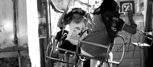 Para un niño con la enfermedad, una vida social se transforma en una aventura muy dolorosa