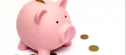 Poupe sempre uma parte dos seus ganhos, assim você irá evitar gastos excessivos e obter segurança financeira