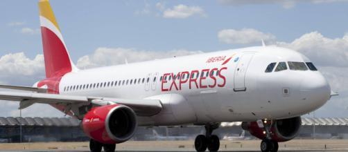 Uno degli aerei della compagnia aerea Iberia Express