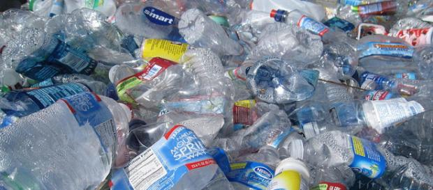Empty plastic bottles (Image credit – Streetwise Cycle, Wikimedia Commons)