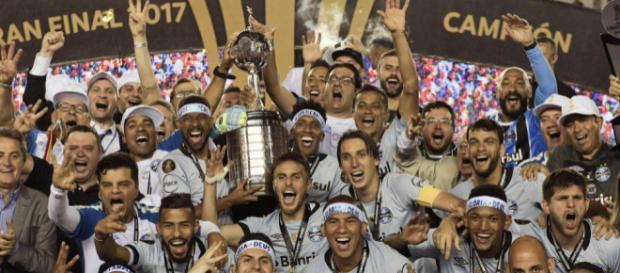 Grêmio bate Lanús e é tricampeão da Copa Libertadores