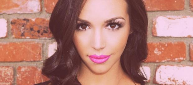 Scheana Marie poses with pink lips. - [Photo via Instagram]
