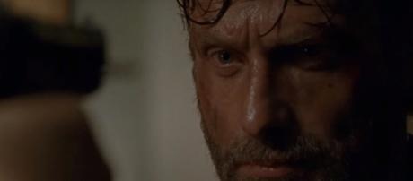 """The Walking Dead : Rick franchi un pas de plus vers la mentalité """"Ma pitié l'emporte sur ma colère"""""""
