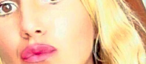 Teresa Laviscio studentessa 18enne di Marcianise è morta improvvisamente a casa mentre era intenta a studiare.Fonte:http://www.teleclubitalia.it/