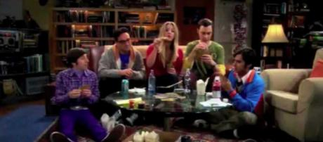 'Big Bang Theory' [Image via Hump Frog/YouTube screencap]