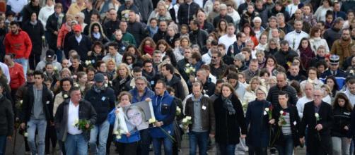 Dimanche 5 novembre à Gray, entre 8 000 et 10 000 personnes défilent en hommage à la joggeuse assassinée Alexia Daval.