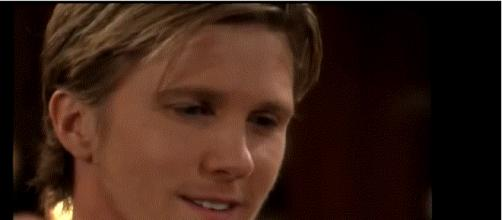J.T. returns to Genoa City. (Image via CBS soaps The Young and the Restless. YouTube screenshot).