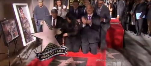Selena Quintanilla's star on Hollywood Walk of Fame. (Image from Univision Noticias/YouTube screencap)