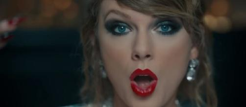 Taylor Swift goes 'completely naked,' the boldest video ever by the singer. Image credit:TaylorSwiftVEVO/YouTube screenshot